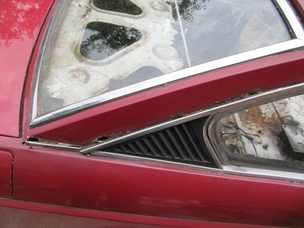 Lancia right rear window